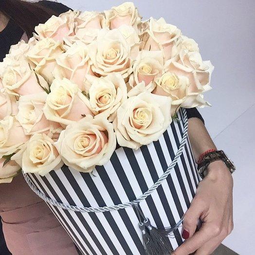 Талея в шляпной коробке: букеты цветов на заказ Flowwow