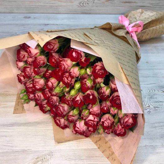 Букет из 19 двухцветных кустовых роз: букеты цветов на заказ Flowwow