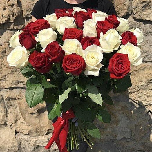 Букет Инь Янь из 31 розы: букеты цветов на заказ Flowwow