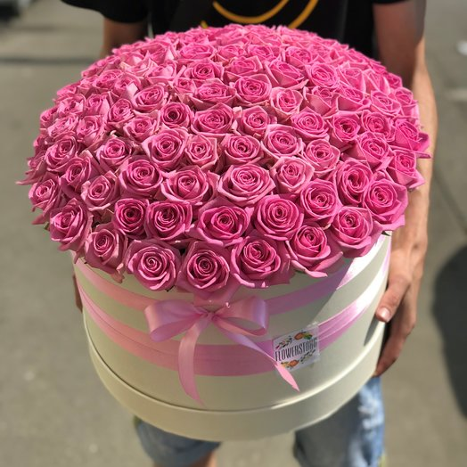 Коробки с цветами. Роза розовая. 101 роза. N167: букеты цветов на заказ Flowwow