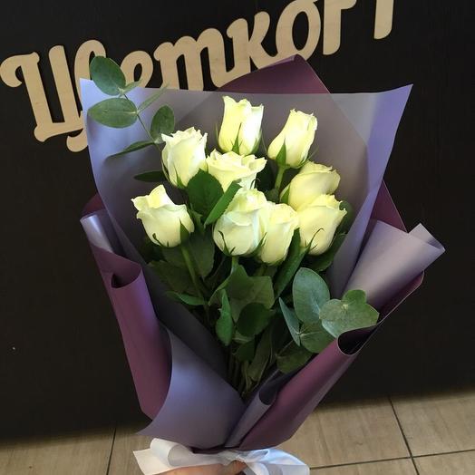 9 роз в дизайнерской упаковке: букеты цветов на заказ Flowwow