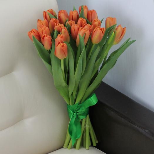 25 оранжевых тюльпанов: букеты цветов на заказ Flowwow