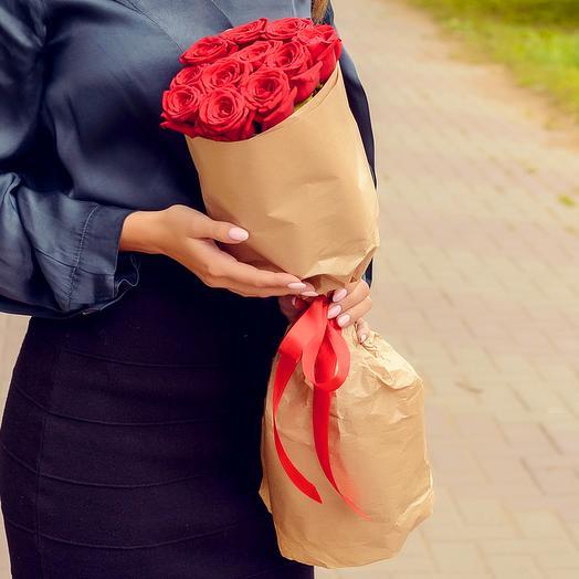 Букет из 11 красных роз (60см)