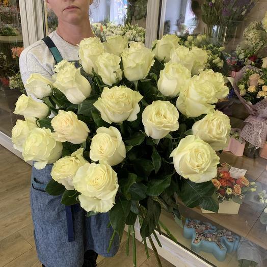 Белые розы 25 шт