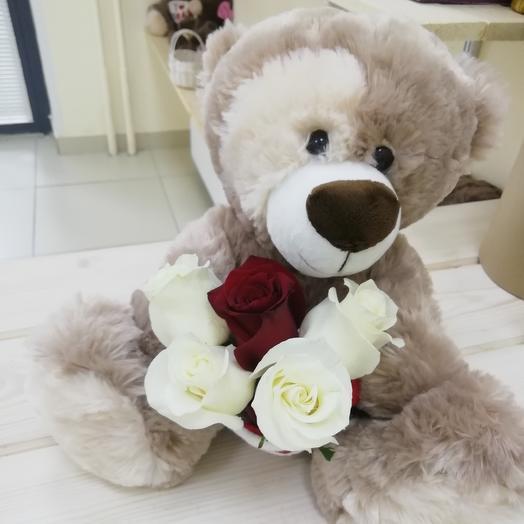 Милый мишка: букеты цветов на заказ Flowwow