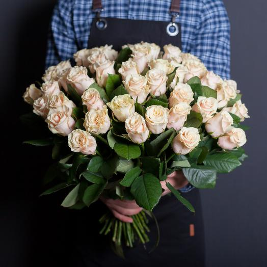 Нежные кремовые розы 60 см: букеты цветов на заказ Flowwow