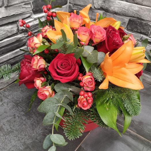 Композиция дня 😉 в шляпной коробке: букеты цветов на заказ Flowwow