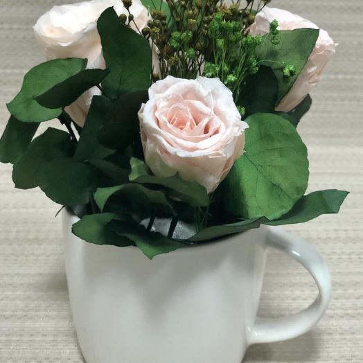 Розы нежно-кремовые с эвкалиптом
