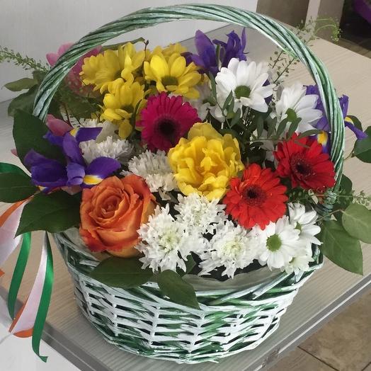Полевые Цветы в корзине