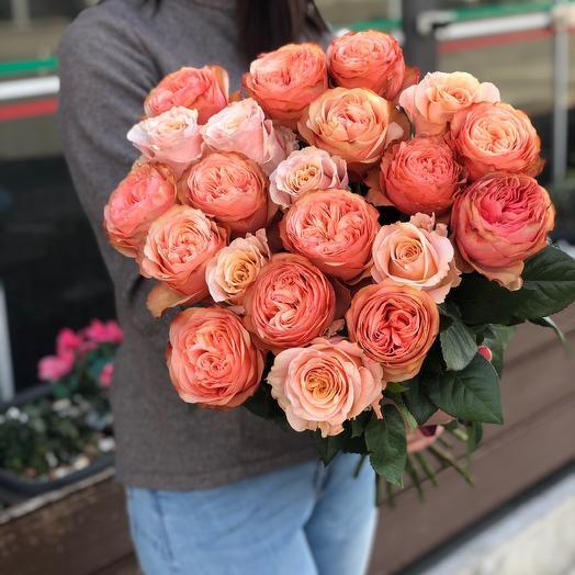 Букет пионовидных роз «Кахала»