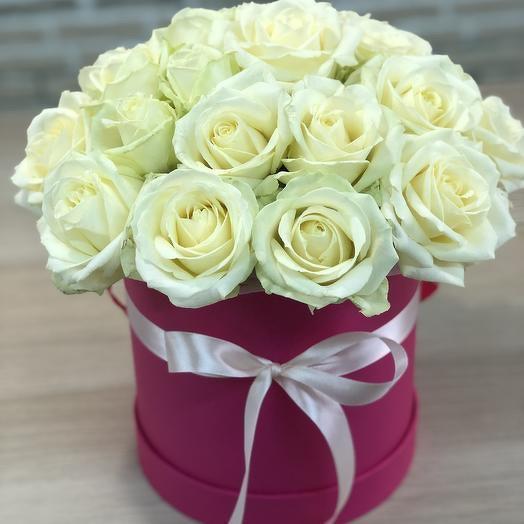 Коробка 21 белая роза