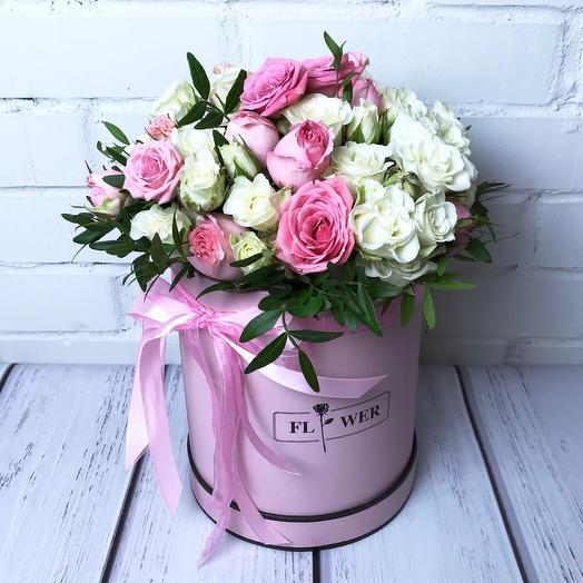 Кустовая роза в розовой коробке L