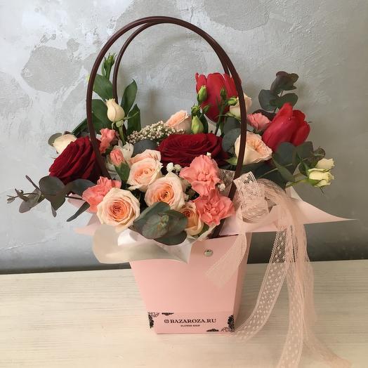 Розовая композиция в сумочке