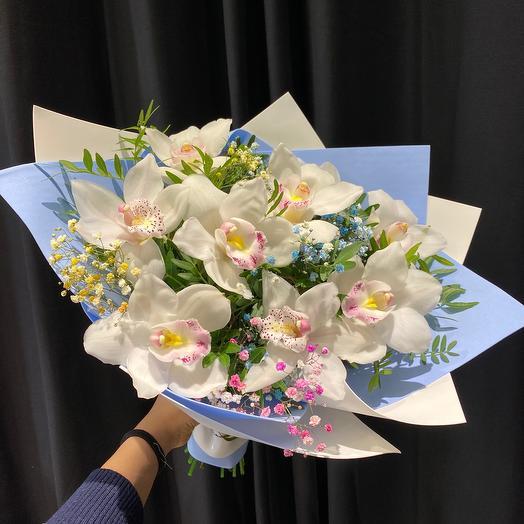 Орхидея в Букете