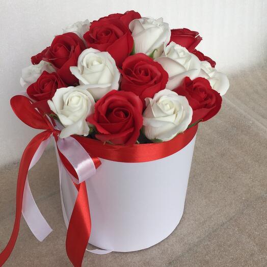 Праздничный букет роз из мыла