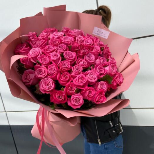 Букет 51 Роза в дизайнерской упаковке