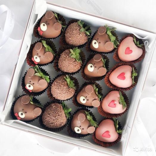 Клубника в шоколаде Мишки