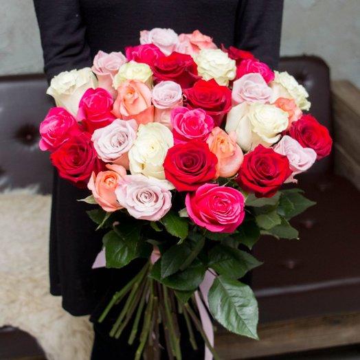 Композиция из цветных роз 33 шт: букеты цветов на заказ Flowwow