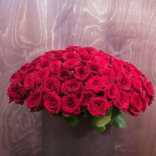 Ред Наоми 101шт в черной шляпной коробке: букеты цветов на заказ Flowwow
