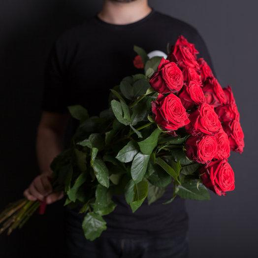15 красных роз 70 см., Россия : букеты цветов на заказ Flowwow