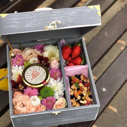 Вкусный бокс: букеты цветов на заказ Flowwow