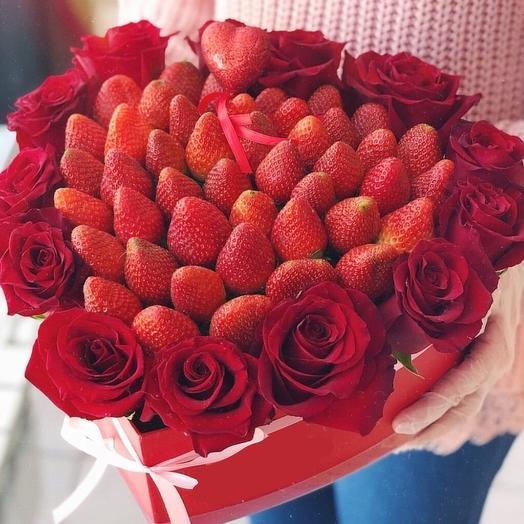 "Коробочка "" Клубничная Любовь "": букеты цветов на заказ Flowwow"