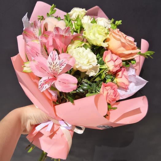 Коралловый: букеты цветов на заказ Flowwow