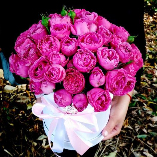 Пионовидные розы в коробочке: букеты цветов на заказ Flowwow