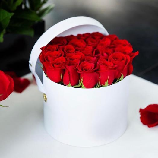 Шляпная коробка роз