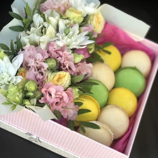 Макаруны в цветах