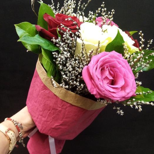 Комплимент из ароматных роз: букеты цветов на заказ Flowwow
