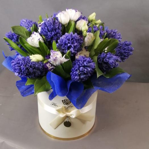 Коробка из гиацинтов: букеты цветов на заказ Flowwow