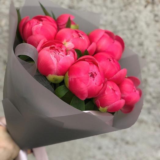 Букет из 9 коралловых пионов: букеты цветов на заказ Flowwow