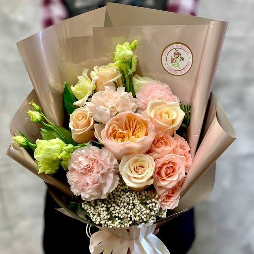 Букет «Персиковое наслаждение »с пионовидной розой Джульетта