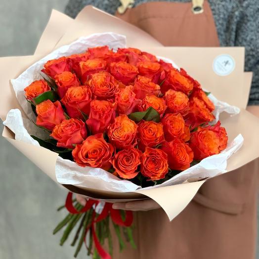 Букет из 31 оранжевой розы Кении