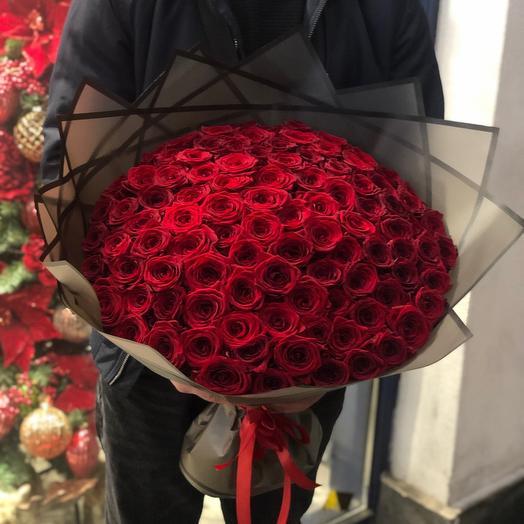 Красные розы Ред Наоми
