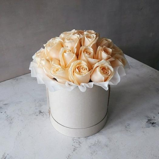 "Коробка""25 кремовых роз"""