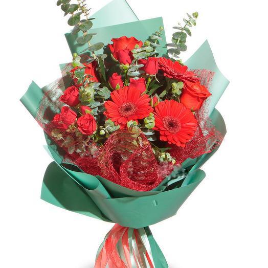 герберы и розы