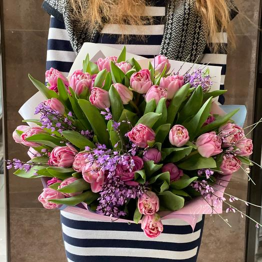 Пионовидные розовые тюльпаны