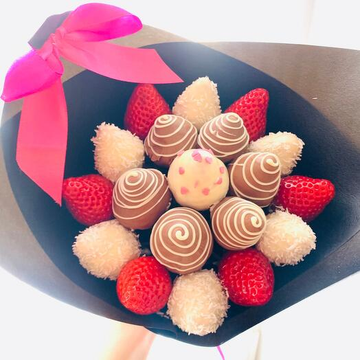Стильный букет из Клубники в шоколаде