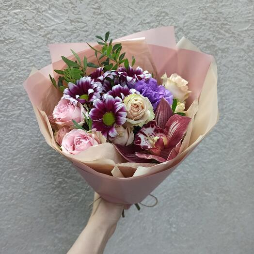 Букет-комплимент с орхидеей, розами и цветами