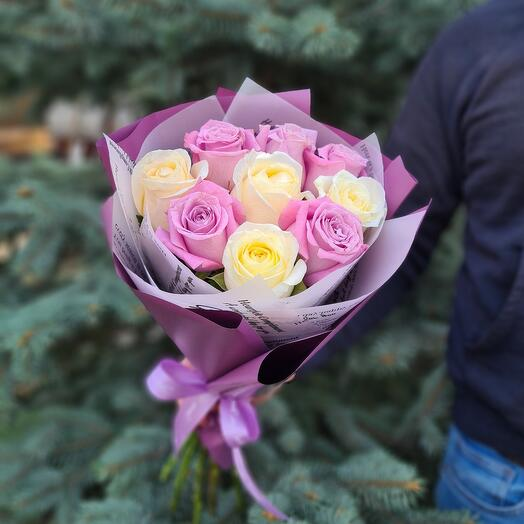 Микс из 9 роз в нежной гамме
