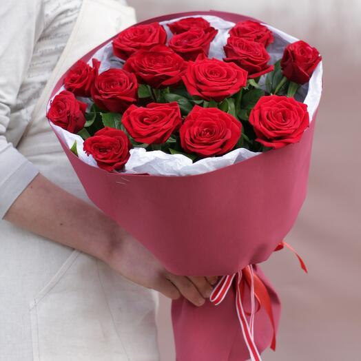 Букет из 15 красных роз 50 см