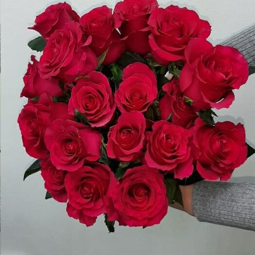 Букет из 17 роз Гоча