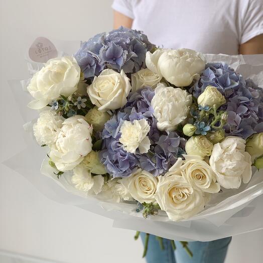 Тренд! Пионы, пионовидные розы и гортензия