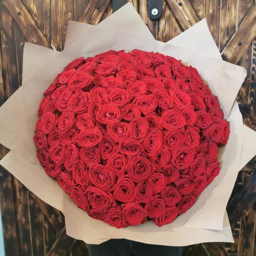 Розы 101 Ред Наоми