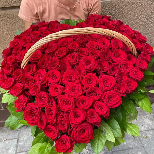 Корзина большая Сердце из роз