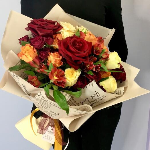 Букет из роз и альстромерий «Глинтвейн»