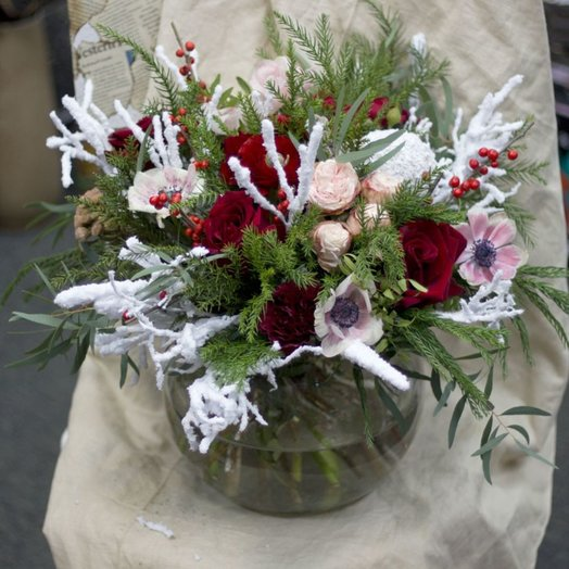 РОЗЫ НА СНЕГУ: букеты цветов на заказ Flowwow