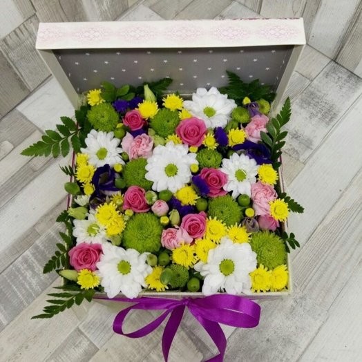 Коробка с цветами: букеты цветов на заказ Flowwow